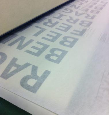 tape permet de transfere vos lettres decoupes