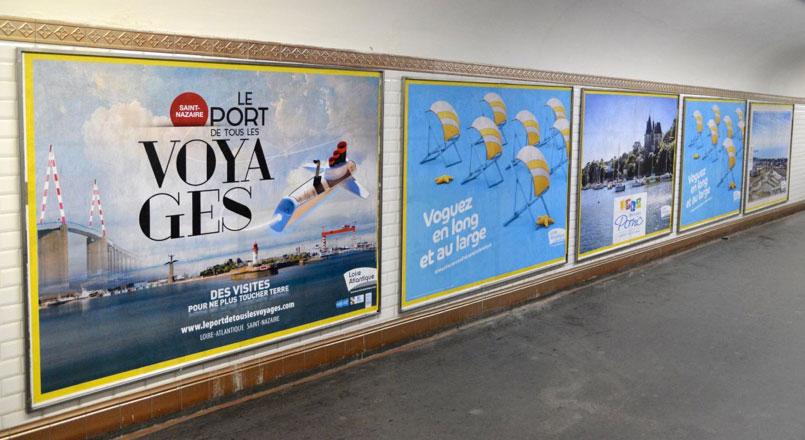 affiche metro publicitaire à collée